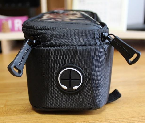 framebag-earphone