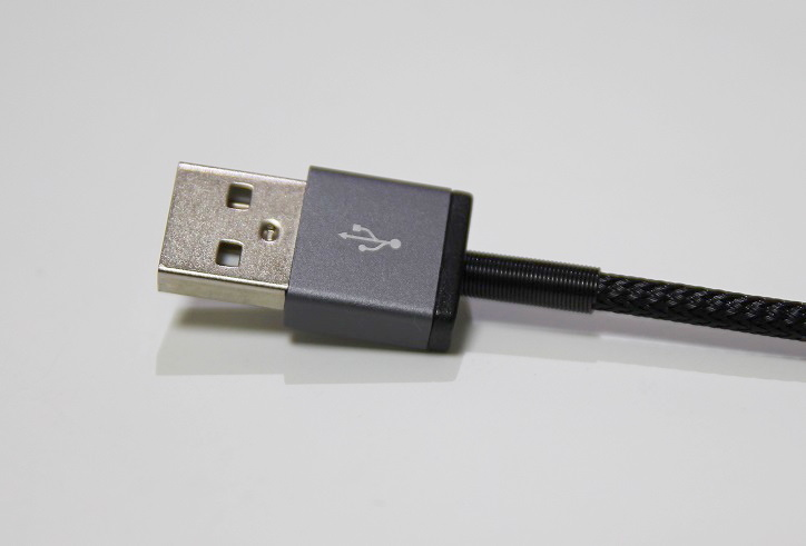 strong_usb_cable_spring